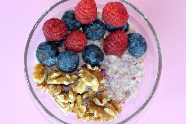 Overnight oats met rood fruit